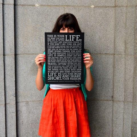 Gana un poster Holstee Manifesto Black.