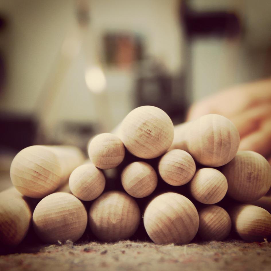 Madera, materia prima imprescindible en los productos de Woondendot
