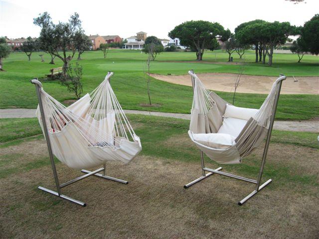 La Hamaca Cotton crea un pequeño paraíso del relax en tu jardín.