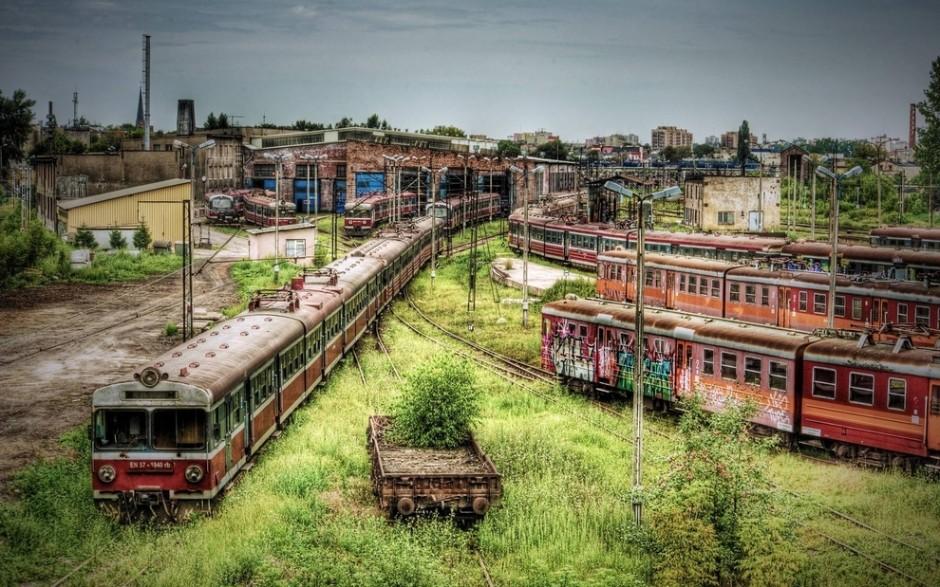 estación de tren abandonada en polonia