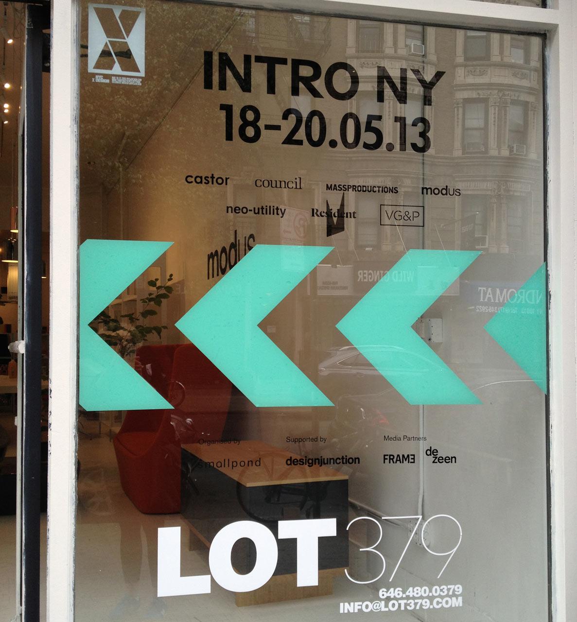intro-ny-signage